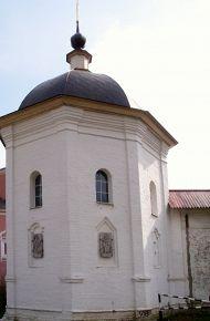 Башня у входа