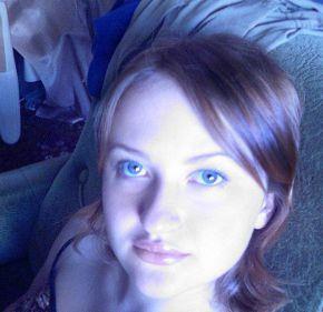 ..зачем мне когда-то нарисовали глаза? я хрупкая елочная игрушка,  зеркальный шар с Твоим отражением (с)
