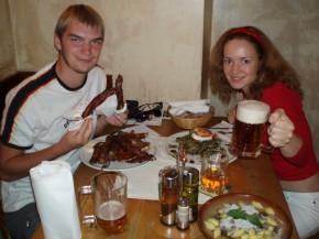 Пиво со свинными ребрышками...