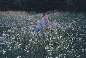 Я и ромашки...лето.июль 2004.   продолжение следует.....