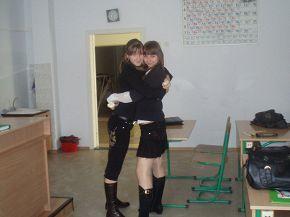 Мои подружки :) Олька и Юлька