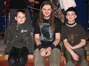 подростающее поколение! наша надежда)  Holy Blood в Ровно 15\03\2008