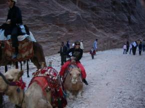 На верблюде - не вприпрыжку, конечно, но покаталась:)