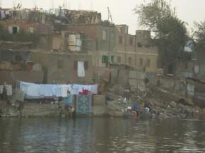 Вот так живут практически все египтяне.