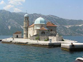 церквушка на искусственном рифе, ей 200 лет