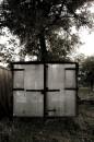 На окраине леса жил старый лесник и у него был бобик... а это гараж от бобика......