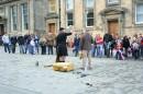 Единбург, уличные выступления :) Но как колоритно ...
