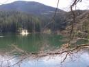 Чудесный всенний теплый день, горное озеро Синевир