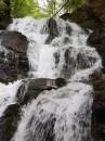 Водопад Шипот, расположенный в Межгорском районе Закарпатской области над селом Пилипец. Высота водопада составляет 5 метров.