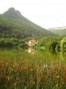 по дороге в древнейший монастырь Качи-Кальон у вас будет остановка на одном из красивейших озер Крыма в районе Мангуп