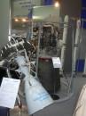 Космічні двигуни  і макети ракет-носіїв