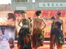 Промо-акция от салона свадебных фото и платьев в пригороде Пекина.