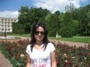 Красивенна алея троянд...