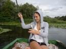 Я с мужем на лодке плавали на рыбалку на речку Десна.