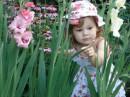 Летний детский отдых на даче. Приятно вспомнить яркие и красочные моменты лета, а особенно тогда, когда детки так быстро растут...