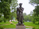 Памятник поэту Фёдору Тютчеву-хозяину усадьбы
