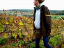 Третий год работаю на биовинодельне в Бургундии. Экологически чистый виноград требует намного больше ухода и бережного отношения. Вот и в свой 22-й день рождения, праздник провожу общаясь с любимой лозой.