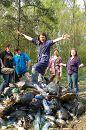 просто собравшись, убрали лес от мусора, вывезли 87 мешков мусора. Не за деньги, не за стипендию ...