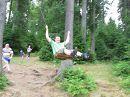 качели в лесу