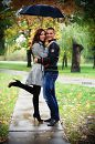 Мы счастливы вместе... даже под дождем...