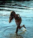 Знакомая девочка фотограф хотела максимально отобразить позитив лета в моих снимках.Фотографировались в воде,на фоне красивых деревьев, вышло SO WONDERFUL !!:)