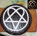 попросили торт с логотипом группы HIM. принимайте! ))