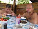 Я и Степка, а что мужикам надо, покушать и барышню любимую :)