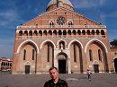 Я и Базилика Святого Антония в Падуе (Италия)