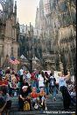 Світові Дні Молоді Я серед юних паломників на сходах Кельнського собору   Німеччина, серпень 2005 р.