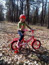 юна велосипедистка