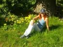 Люблю я блеклые цветы Фиалок поздних и сирени, Полунамёки,полутени Повитой дымкой красоты ---------------------------------------- А вообще-то я хАчу летА!!! и без всякой поэзии! :-)