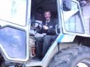 на свадьбе у друга я успел покатакаться на тракторе