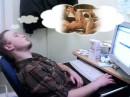 Самый здоровый сон — это на работе после обеда. :)