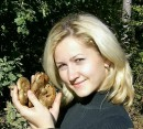 Я тоже в грибах разбираюсь! Особенно в шампиньонах, когда в магазине отовариваюсь!!! ;)