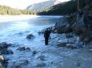 лед пытается пленить озеро... :)