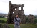 Я, Эдинбург, руины древней часовни.