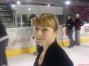 учусь кататся на коньках.ЭТО ТАК ПРИКОЛЬНО!