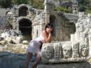 ..древний амфитеатр. его мощь просто поражает :)
