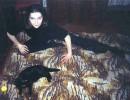 Знакомые говорят, что на этой фотографии две черные пантеры: мой кот и я...