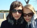 этоя с подругой! МЫ ОЧКАРИКИ :)))