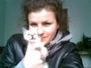 Я и котенок:) люблю его помучать))))))