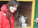 Около кролика на страусиной ферме %)))