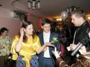 Грёбаные цыгани невесту спёрли :)))
