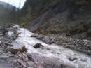 9 км вдоль реки вверх в горы