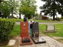 И я на могилке Брюса и Брендона Ли