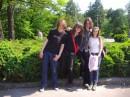 о, а це ми з моею коханою Гнiдосою(вона ж ОlliOliver) в ботанIчному саду,з нашими друзяками з КПI, та просто файними панками-уригами Тюбiком и Огiрком...гигигиги....
