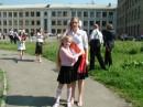 Я и моя сестра(все таже ХуDожNиц@) Она у меня Выпускница =))