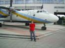 Я и самолетик возле НАУ!!)))