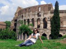 ... Колизей, как одно из самых величественных сооружений, часто выступает символом Рима ...