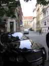 Улица Парижская и единственный Бентли. В Праге живет беднота, не то что в Киеве)